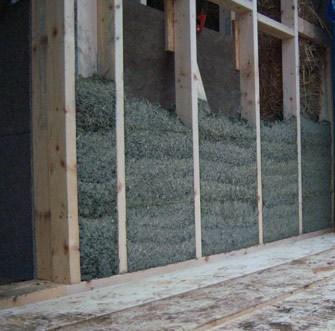 Wypełnienie drewnianej konstrukcji ściennej kompozytem [2] (fot.3)